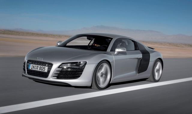 Audi R8 - популярный немецкий представительский автомобиль