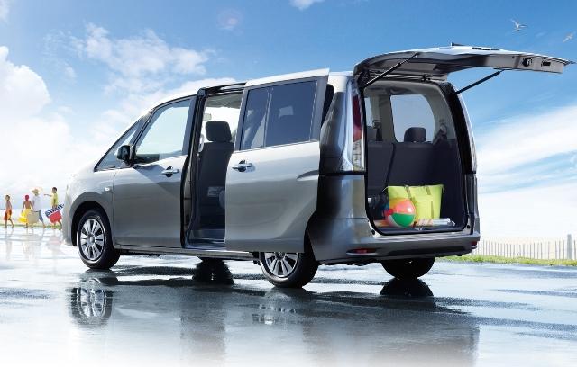 Автомобили на восемь мест популярны среди больших семей