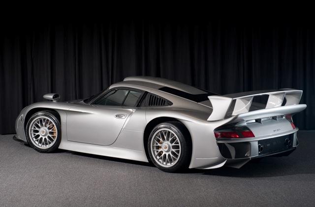Porsche 911 GT1 - гоночный автомобиль
