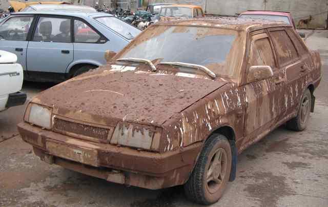 Авто не желательно мыть под солнечными лучами