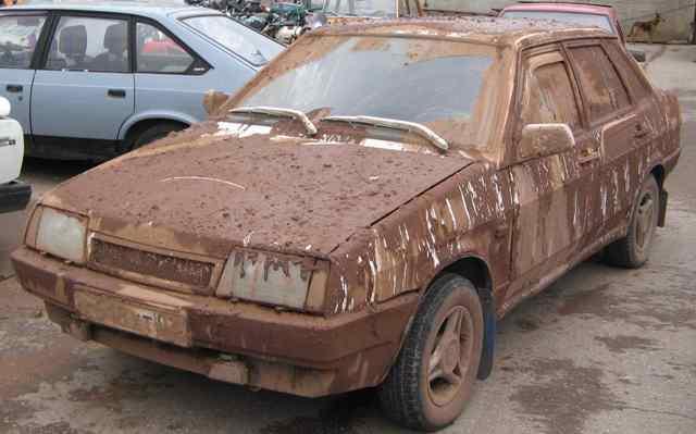 Автомобиль должен иметь чистые номерные знаки