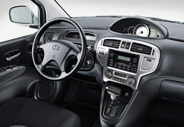 Салон автомобиля Hyundai Matrix